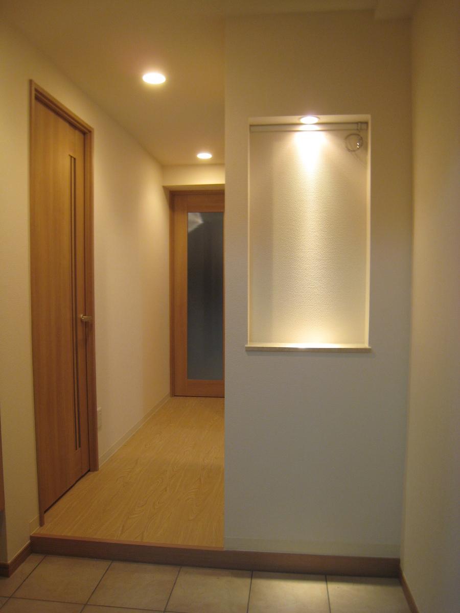 新宿マンション 完成玄関.JPG
