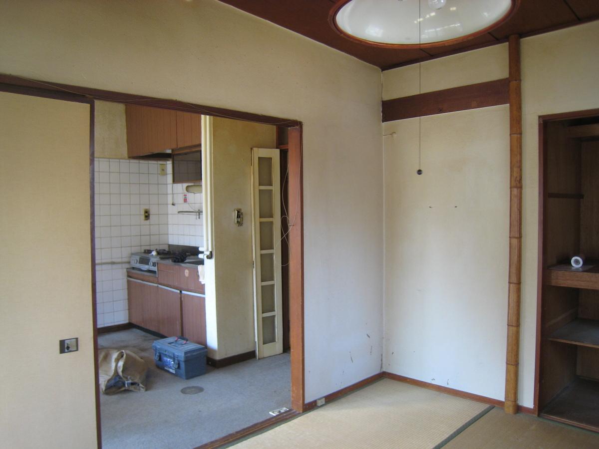 新宿マンション 施工前キッチン.JPG