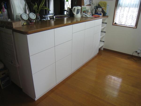 浦和でカウンター下収納のオーダー家具サムネイル