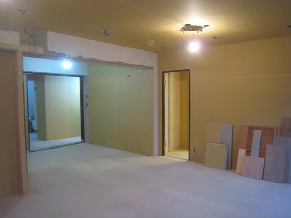 新浦安のマンションでリフォーム工事 下地工事終了サムネイル