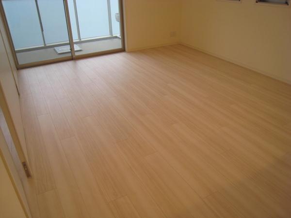 綾瀬の新築マンションでシリコンコーティングサムネイル